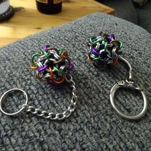 Set of 2 Multicolored Chain Maile Ball Key Chains
